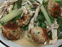 焼きつけ肉団子と青菜の炒め煮