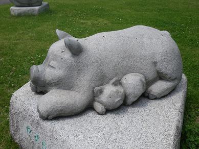 栃木県農業大学校の浅賀の彫刻
