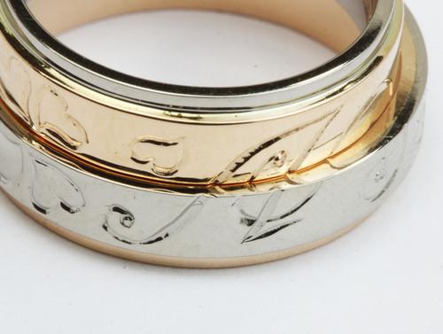 クローバーの結婚指輪
