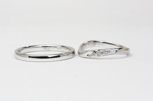 すっきりラインの結婚指輪