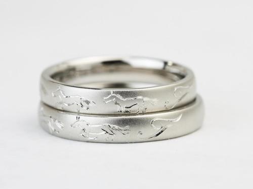 結婚指輪☆馬のカービング