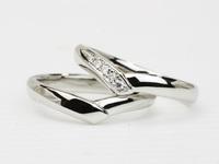 V字ラインの結婚指輪☆