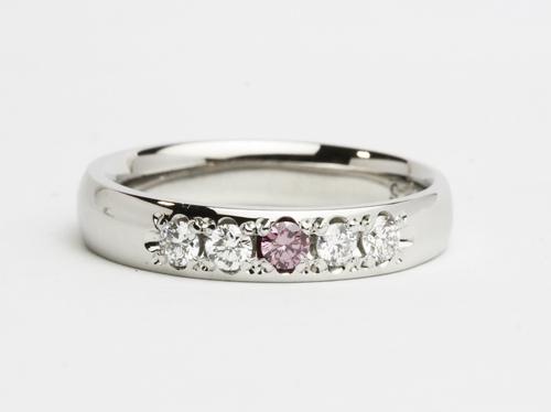 結婚5周年 5石入り一文字タイプのダイヤモンドリング 茨城県桜川市宝石店