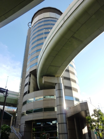 http://img01.tsukuba.ch/usr/t/r/a/traveler/20141112tkp_gate_tower_buildingsk1k.JPG