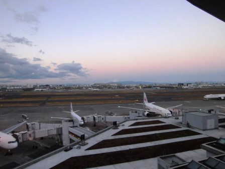 研究学園から羽田空港までの交通手段を選ぶ!