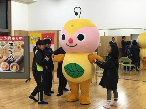 つくばFC×ファミマ 恵方巻イベント実施!