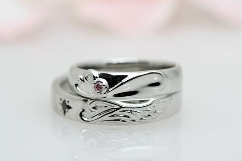 幸せを運ぶ結婚指輪