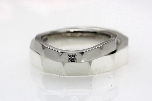 プレス製法の結婚指輪