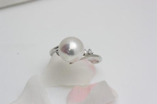 和珠パールリングの輝き