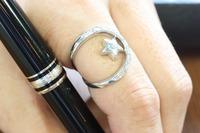 人差し指のリング 2010/07/13 09:09:37