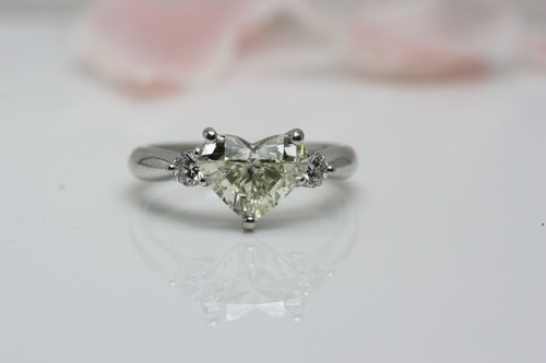 ハートシェイプのダイヤモンド