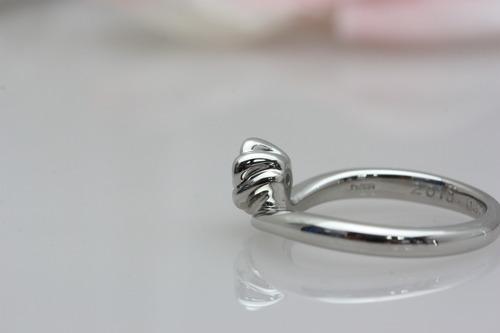 婚約指輪 お花