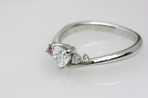 婚約指輪 ハート