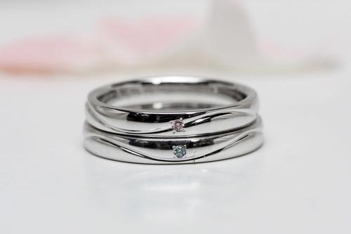川の流れるような結婚指輪