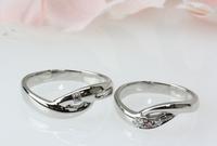指をキレイにみせるV字の結婚指輪 2011/02/12 11:13:44