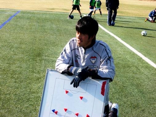 スクール便り12月号(vsトーマスサッカースクール)