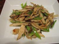 旬の絹サヤ炒めと簡単ポテトサラダ