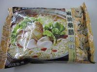台湾のインスタントラーメン ごま油薬膳味