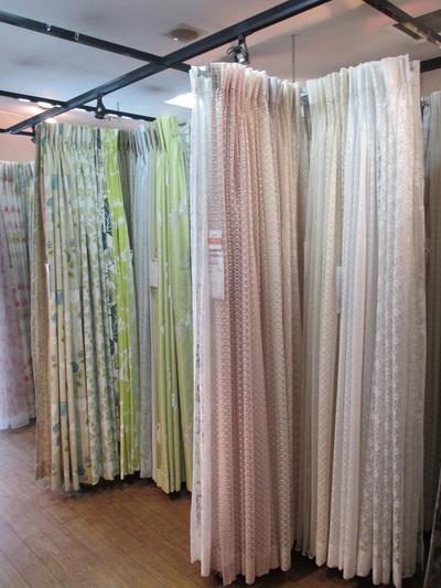 春のカーテン