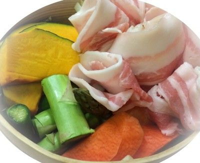 彩り野菜ととことん豚の蒸籠蒸