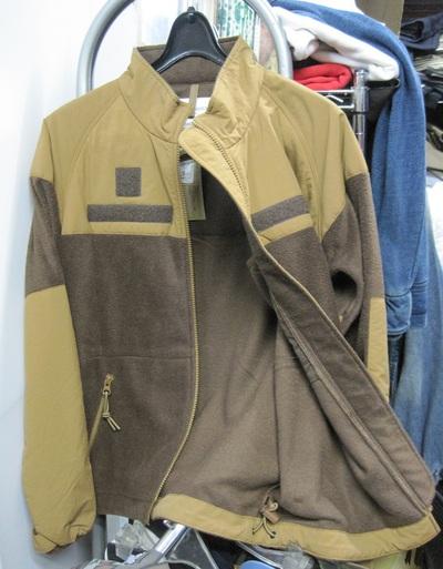フリースのジャケット