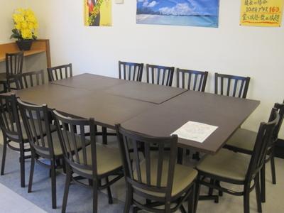 少人数の場合テーブルつけて、人数分対応致します。