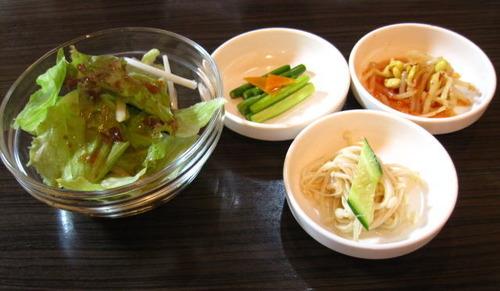 前菜3種とサラダ