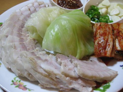 蕨で食べられる!ポッサム(茹で豚バラ)韓国で大人気の一品