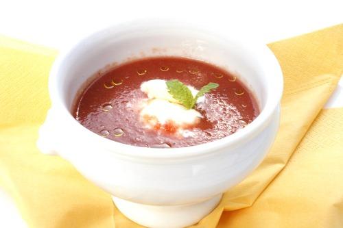 季節の冷製ミネラルスープ 塩アイス添え♪