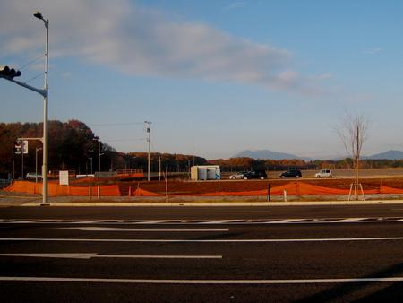 【今昔59】クリナップ前からイーアス越しの筑波山の眺め!