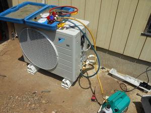 無料でエアコンのガス圧コンプレッサー動作チェック